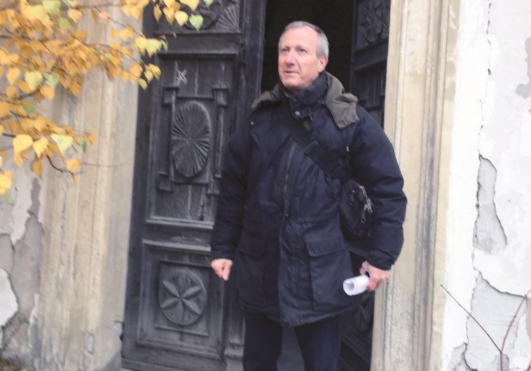 דוד יהונתן גרינברג בנו של אצ״ג בעיירה של אביו בגליציה אוקראינה. צילום: באדיבות המשפחה