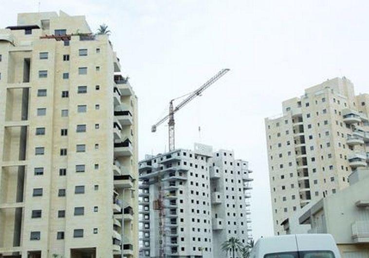 בניית דירות. צילום: אלוני מור