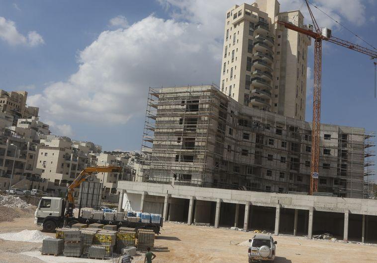 בנייה של יחידות דיור. צילום: פלאש 90