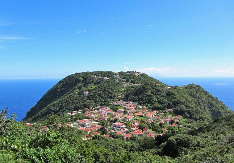 תיירות: האי סאבא