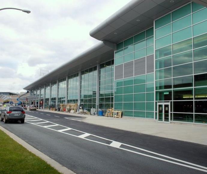 שדה התעופה בהאליפקס, קנדה