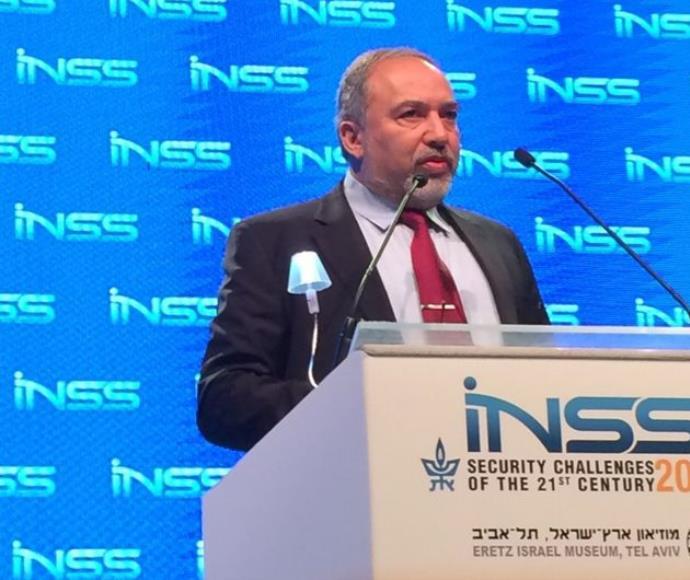 אביגדור ליברמן במכון למחקרי ביטחון לאומי