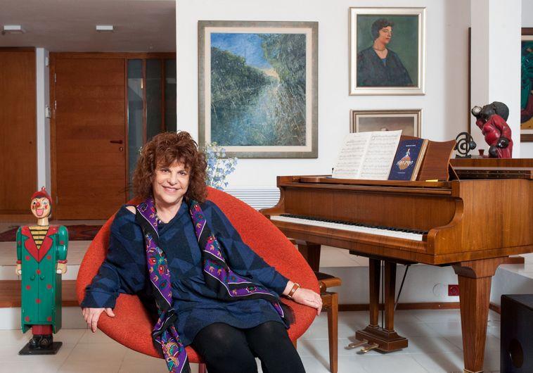 הסופרת והמשוררת תלמה אליגון-רוז