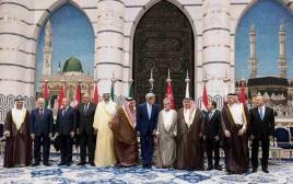 ג'ון קרי במפגש עם מנהיגי הליגה הערבית