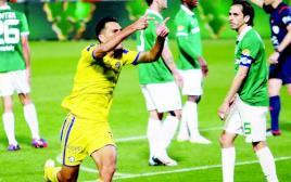 ערן זהבי חוגג את השער מול מכבי חיפה
