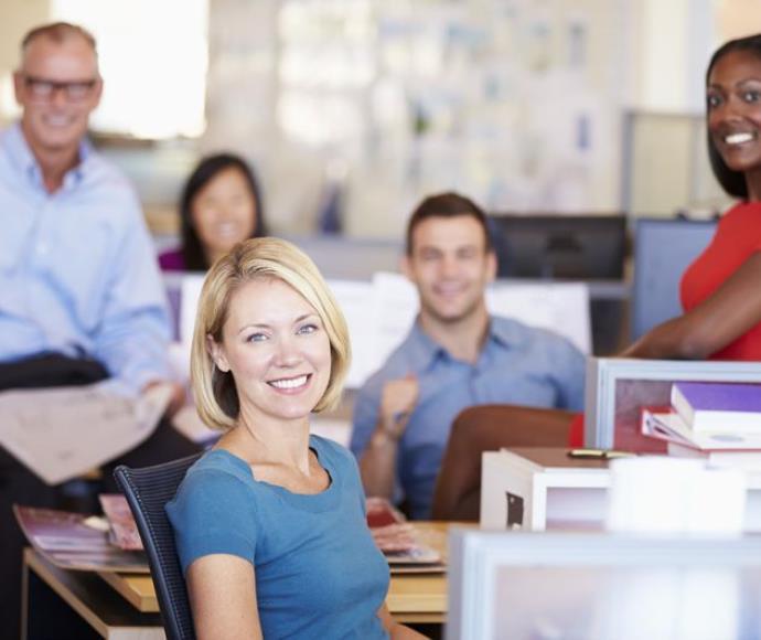 אנשים במשרד