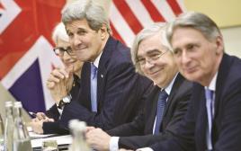 קרי והנציגים האמריקאים בשיחות בלוזאן