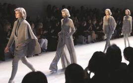 דוגמניות בשבוע האופנה בפריז