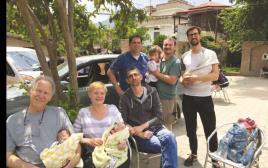 הורים לתינוקות שנולדו בתהליך פונדקאות