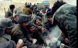 חיילים אזרים בחזית מול ארמניה בחבל נגורנו קרבאך