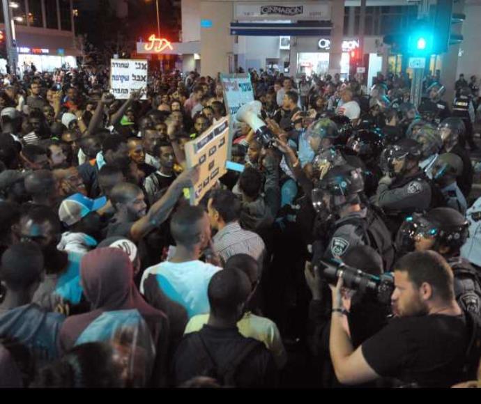 עימותים בין יוצאי אתיופיה למשטרה בכיכר רבין