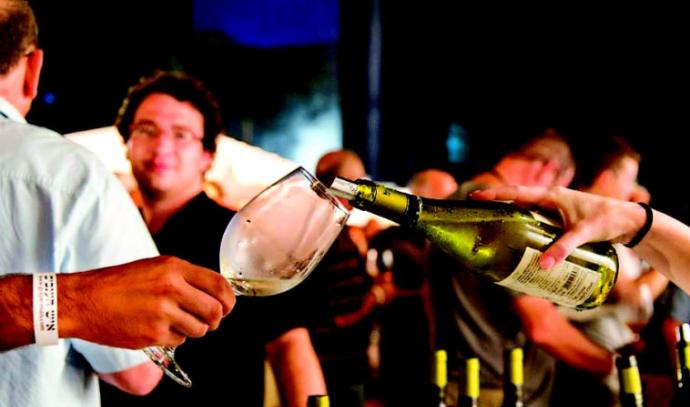 פסטיבל יין לבן במרינה בהרצליה