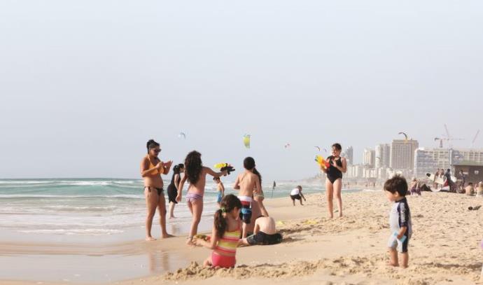 חוף היום בראשון לציון