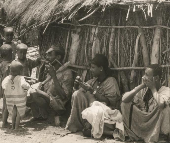 יהודים אתיופים בכפר באתיופיה