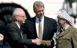 מאז הסכם אוסלו כל ראשי הממשלה תמכו בפתרון שתי המדינות. רבין קלינטון ועראפת