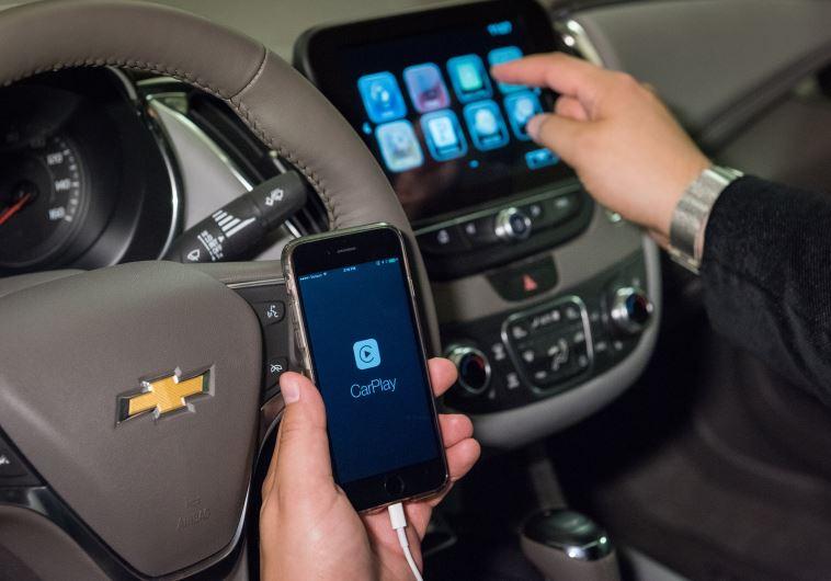 שימוש בסמאטרפון ברכב של שברולט טלפון נייד מכונית