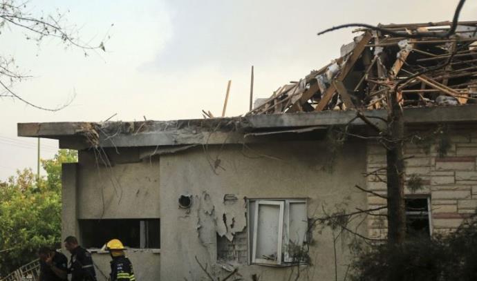 פגיעה ישירה בבית באשקלון במהלך מבצע צוק איתן