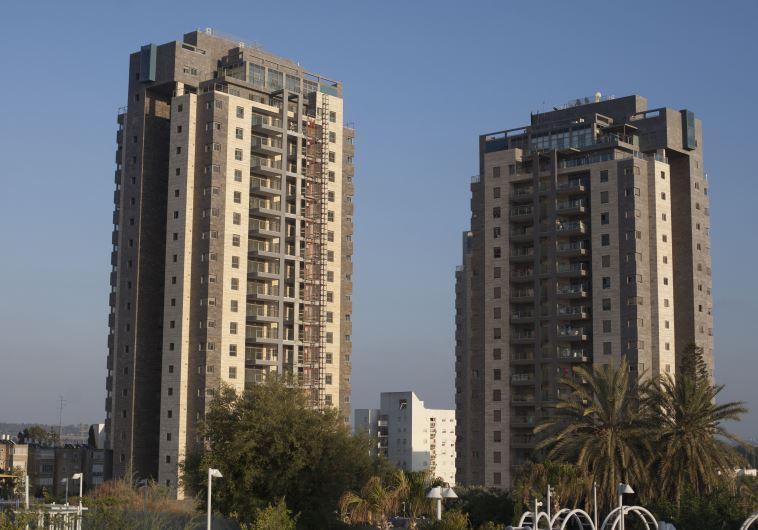 בניין ברחובות. צילום: ליאור מזרחי, פלאש 90