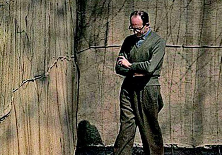 אדולף אייכמן בכלא בישראל. צילום: ויקיפדיה