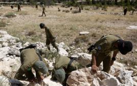 חיילי גדוד לביא בחיפושים אחרי שלושת הנערים