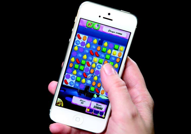 משחקי מחשב בפלאפון
