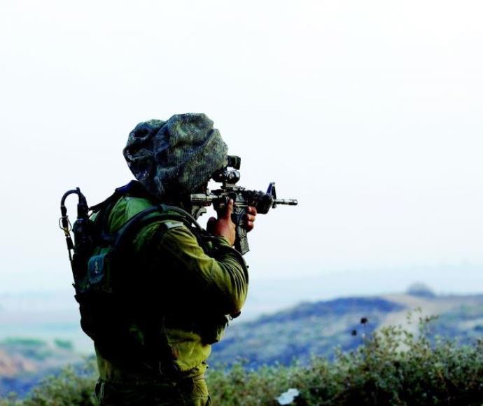 חייל הרצועת עזה בזמן מבצע צוק איתן