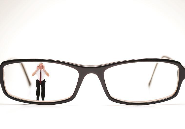 משקפיים. צילום: אינג אימג'