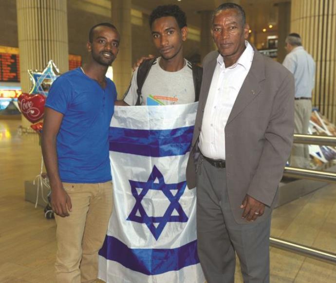 האב אדיס והבנים אלמלך וצ׳אלאצ׳או מקונן
