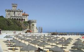 העיירה אשטוריל בפורטוגל