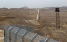 גדר הגבול עם מצרים לאורך כביש 12