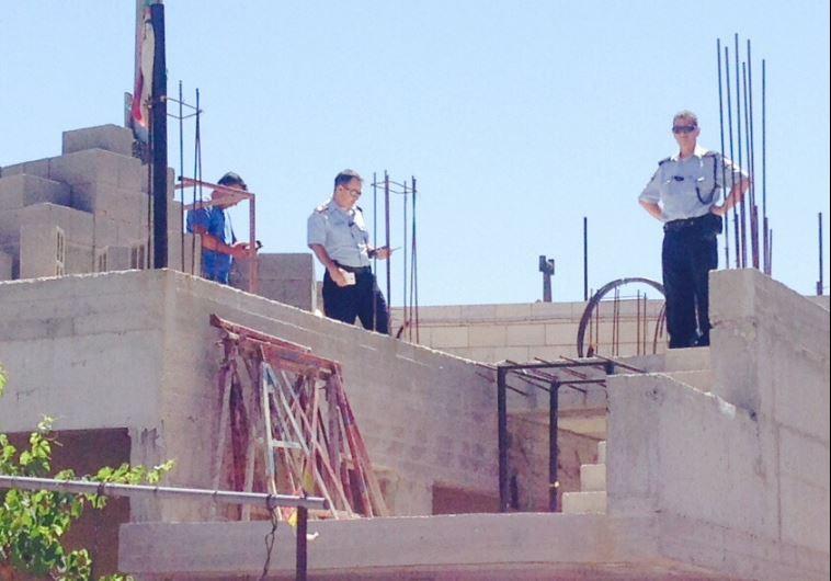 אתר הבנייה במג'דל שמס ממנו נפל ונהרג בן 77