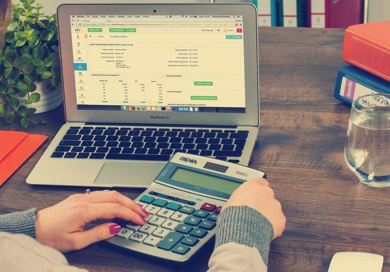 ערכים ראשונים של חינוך פיננסי. צילוםף אינג' אימג'