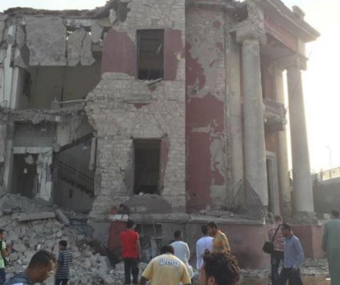 הקונסוליה האיטלקית בקהיר לאחר הפיצוץ