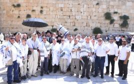 ניצולי השואה - בני ובנות המצווה בכנסת