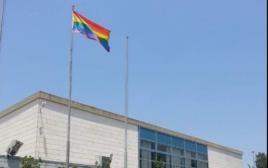 """דגל הקהילה הגאה בביה""""ס ליד""""ה"""