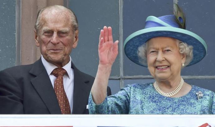 המלכה אליזבת' ה-2 והנסיך פיליפ