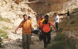 מתנדבי יחידת החילוץ בפעולה
