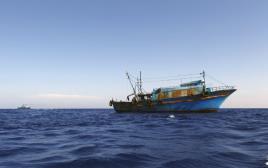 ספינת מהגרים מלוב