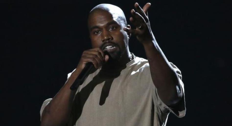 קניה וסט בטקס פרסי VMA