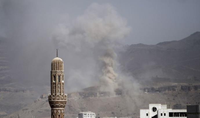 תקיפות מהאוויר על בירת תימן צנעא