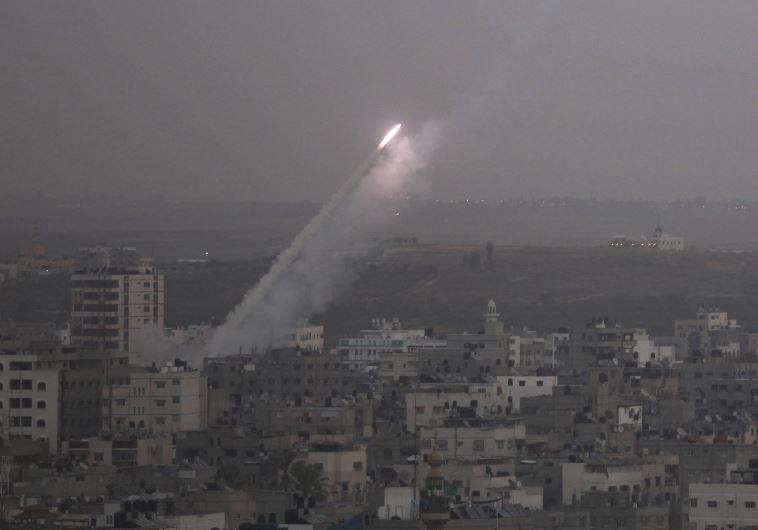 שיגור רקטה מרצועת עזה לעבר ישראל