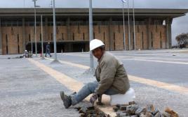 עובדי בניין מסין
