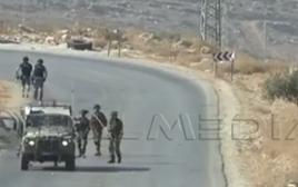 """חיילי צה""""ל תוקפים עיתונאים זרים בגדה המערבית, מתוך הסרטון"""