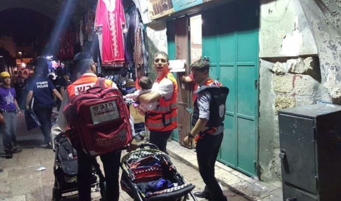 פינוי הפצועים בפיגוע בשער האריות, ירושלים