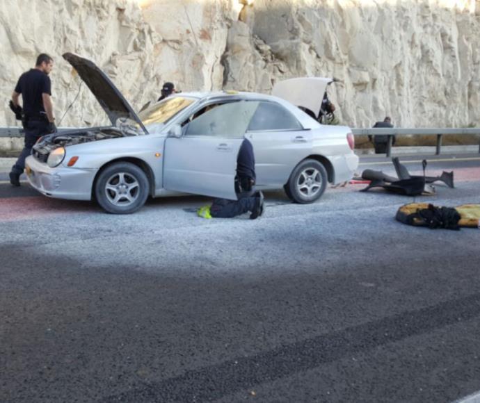 מחבלת פוצצה מטען בכביש 437