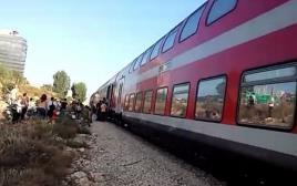 """עצירת הרכבת לת""""א בשל התראת שווא על פיגוע"""