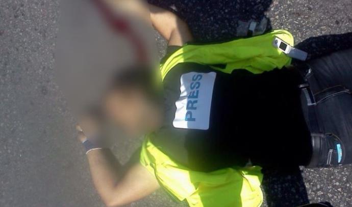 המחבל שביצע את הפיגוע בחברון בעודו מחופש לעיתונאי