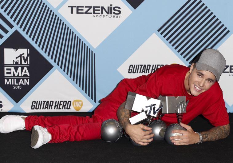 פריחתם של ערוצים נישה. ג'סטין ביבר בטקס פרסי המוזיקה של MTV. רויטרס