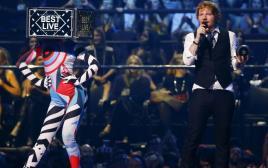 אד שירן בטקס פרסי המוזיקה של MTV