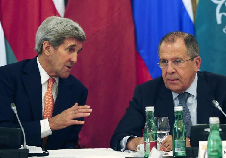 ג'ון קרי וסרגיי לברוב בשיחות על סוריה בווינה. צילום: רויטרס